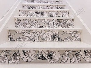 decoracion escaleras vinilo 300x225 Decorar la escalera