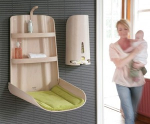 ergonomic baby changing tables by bybo 9 554x459 ulxwr 1822 300x248 Original cambiador para bebés
