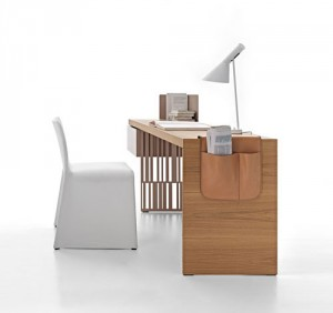 modern writing table by patricia urquiola l stylish table 300x282 Escritorio de Patricia Urquiola