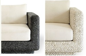 pebble seating 121 300x197 Muebles con incrustaciones de piedras
