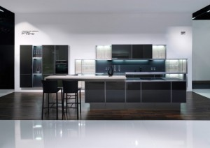 ultra modern kitchen collection by poggenpohl l stylish kitchen 300x212 Cocina diseñada por Porsche Design